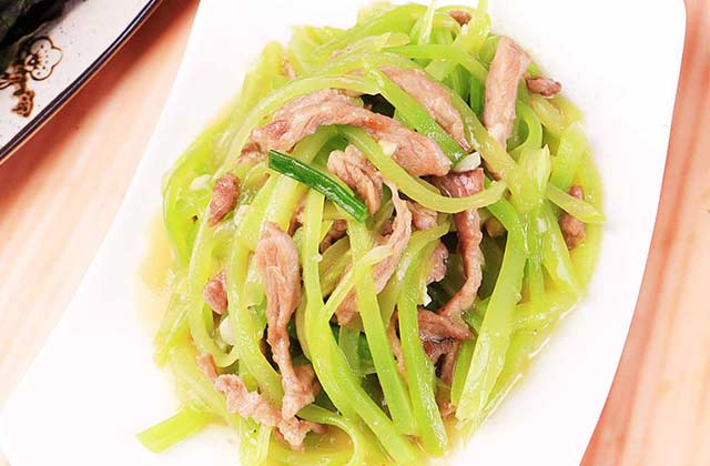 4莴笋炒瘦肉.jpg