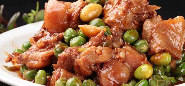 激发食欲的豌豆烧兔肉