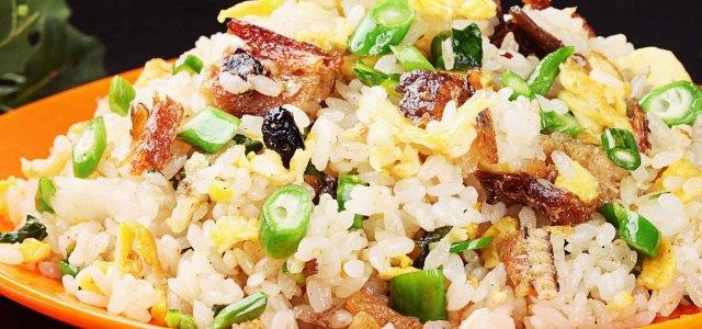 豆豉鲮鱼炒饭
