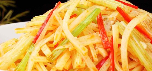 芹菜拌土豆丝