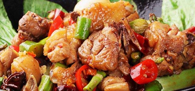 脆笋干锅鸡