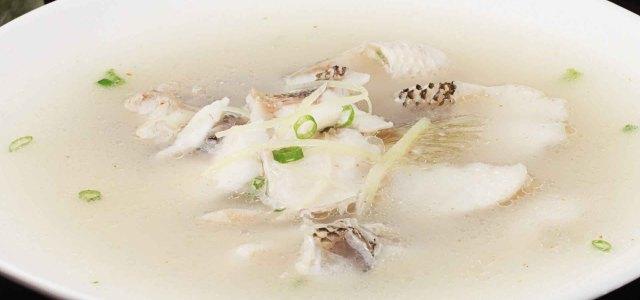 姜丝鲈鱼汤