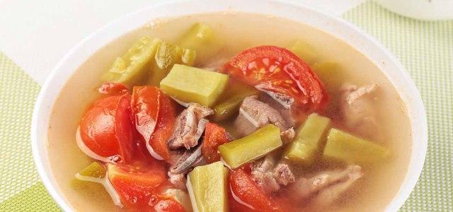西红柿苦瓜排骨汤