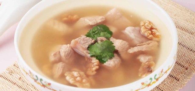 养颜茯苓核桃瘦肉汤