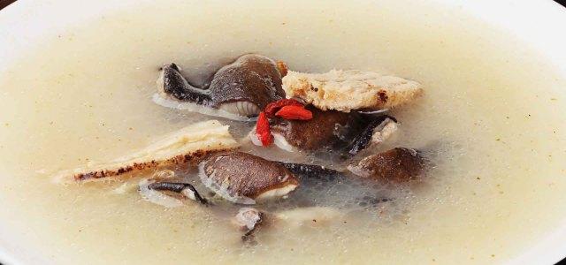 甘甜可口的鳝鱼汤