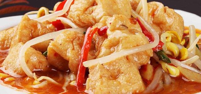 油豆腐焖黄豆芽