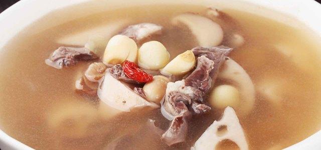莲藕猪心莲子汤