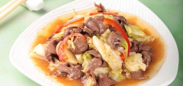 荤食和青菜同吃,口感更清爽