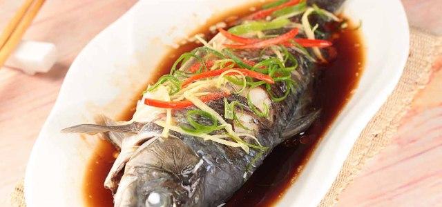 豉油蒸鲤鱼