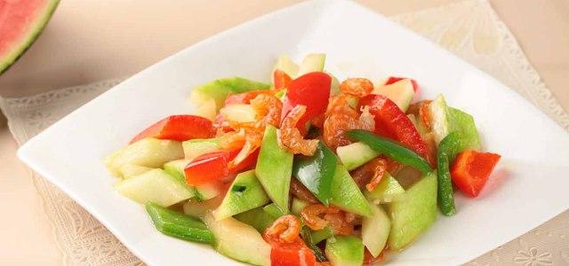 西瓜皮当菜吃,味道还不赖