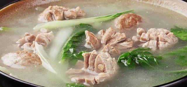 小白菜汆牛肉丸