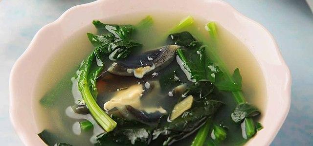菠菜皮蛋开胃汤