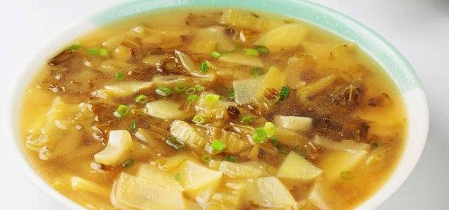 酸菜土豆汤