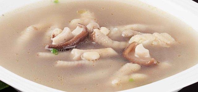 香菇鸡爪眉豆汤
