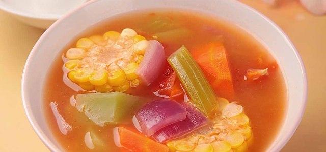 玉米番茄杂蔬汤