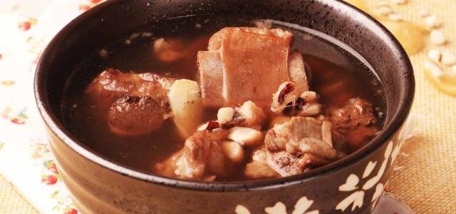 茯苓百合排骨汤