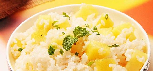 排骨汤土豆焖饭