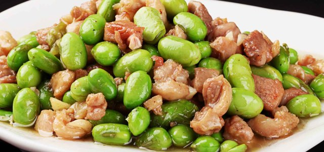 青豆焖鸭肉