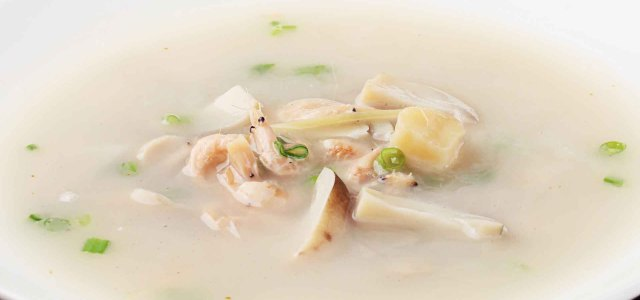 鲜美嫩滑草菇汤