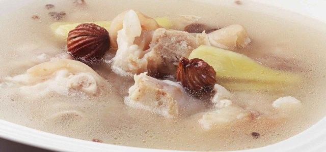 砂仁生姜煲猪蹄