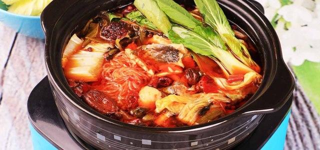红汤酸菜鱼火锅