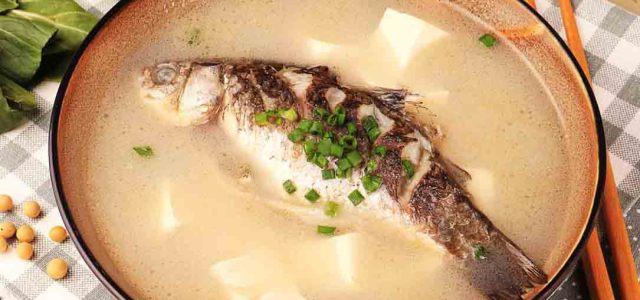 自古豆腐配鲜鱼