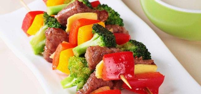 五彩缤纷的烤肉更好吃。