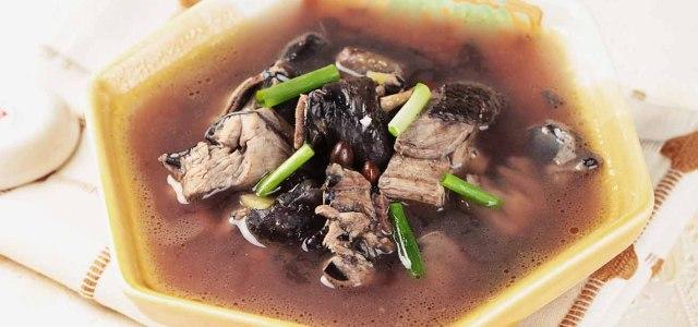 黑豆乌鸡汤