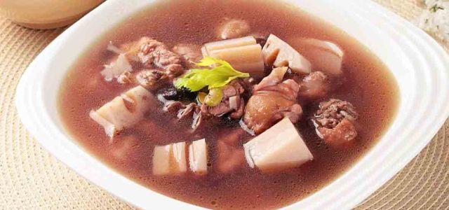 黑豆莲藕鸡汤