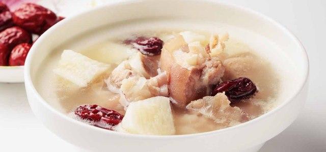山药红枣猪蹄汤