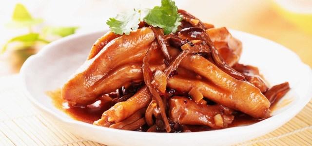 茶树菇炖鸭掌
