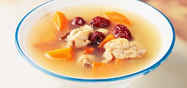 胡萝卜红枣枸杞鸡汤