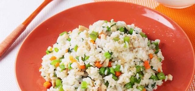 芥菜鸡肉炒饭