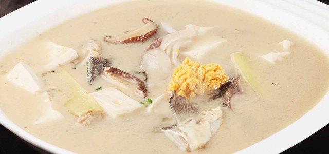 豆腐香菇鲫鱼汤