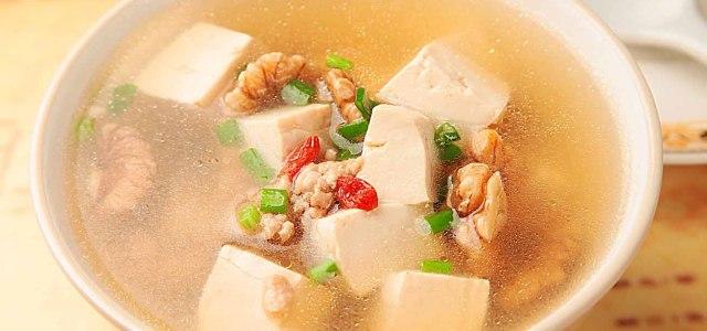 鲜肉汤有颗豆腐心
