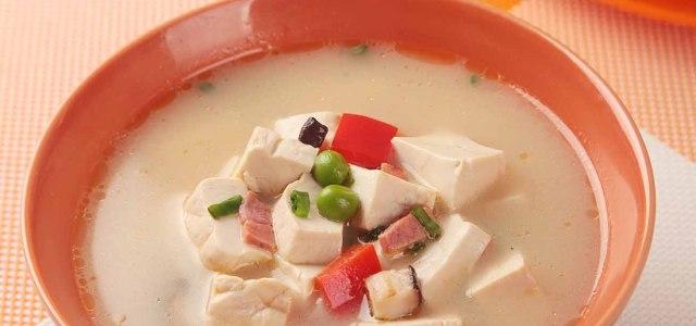 青豆香菇干贝豆腐汤