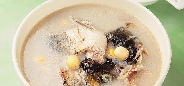 家庭餐桌的美味鱼汤