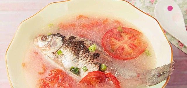 开胃鲜香鲫鱼汤