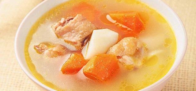 油亮亮的汤,看着就香
