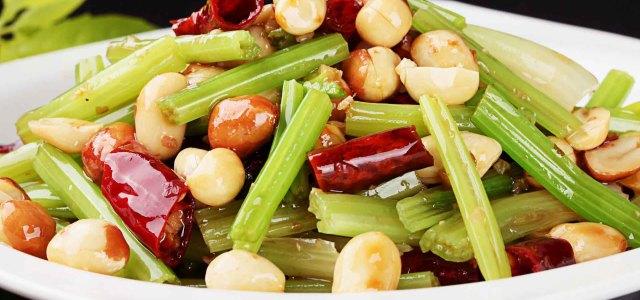 花生拌芹菜