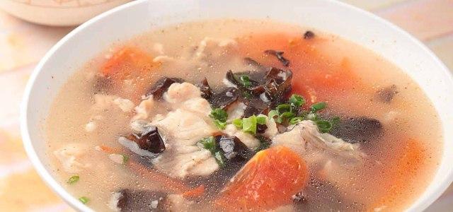 西红柿木耳鱼片汤