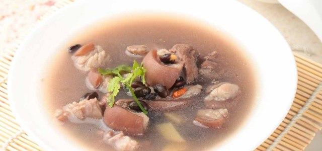 枸杞黑豆炖羊肉