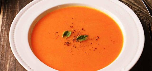 营养丰富的西式浓汤