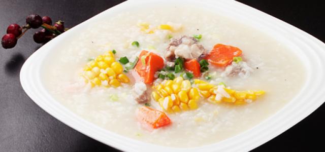 胡萝卜玉米排骨粥