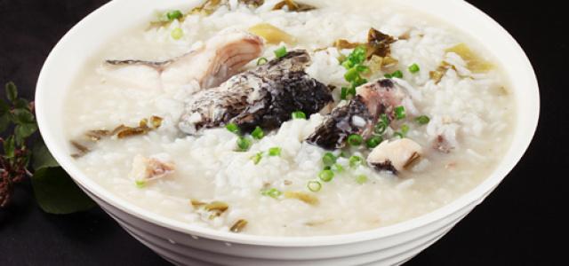 开胃酸菜生鱼粥