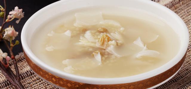 葡萄干百合小米粥