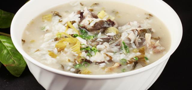 酸菜鲇鱼粥