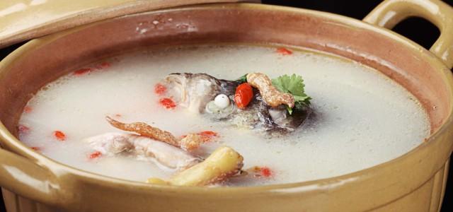 汤汁浓稠,鱼头鲜香