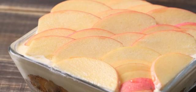 苹果姜饼冰盒蛋糕