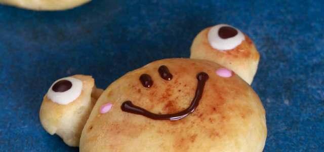 青蛙造型的可爱面包。